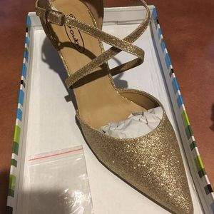Gold Glitter Heels Size 9 New Never Worn with box